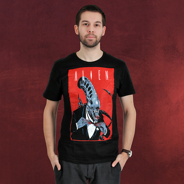 Alien - Smoking Comics Cover T-Shirt