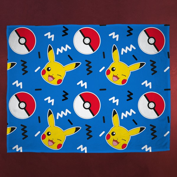 Pokemon - Pikachu und Pokeball Fleecedecke
