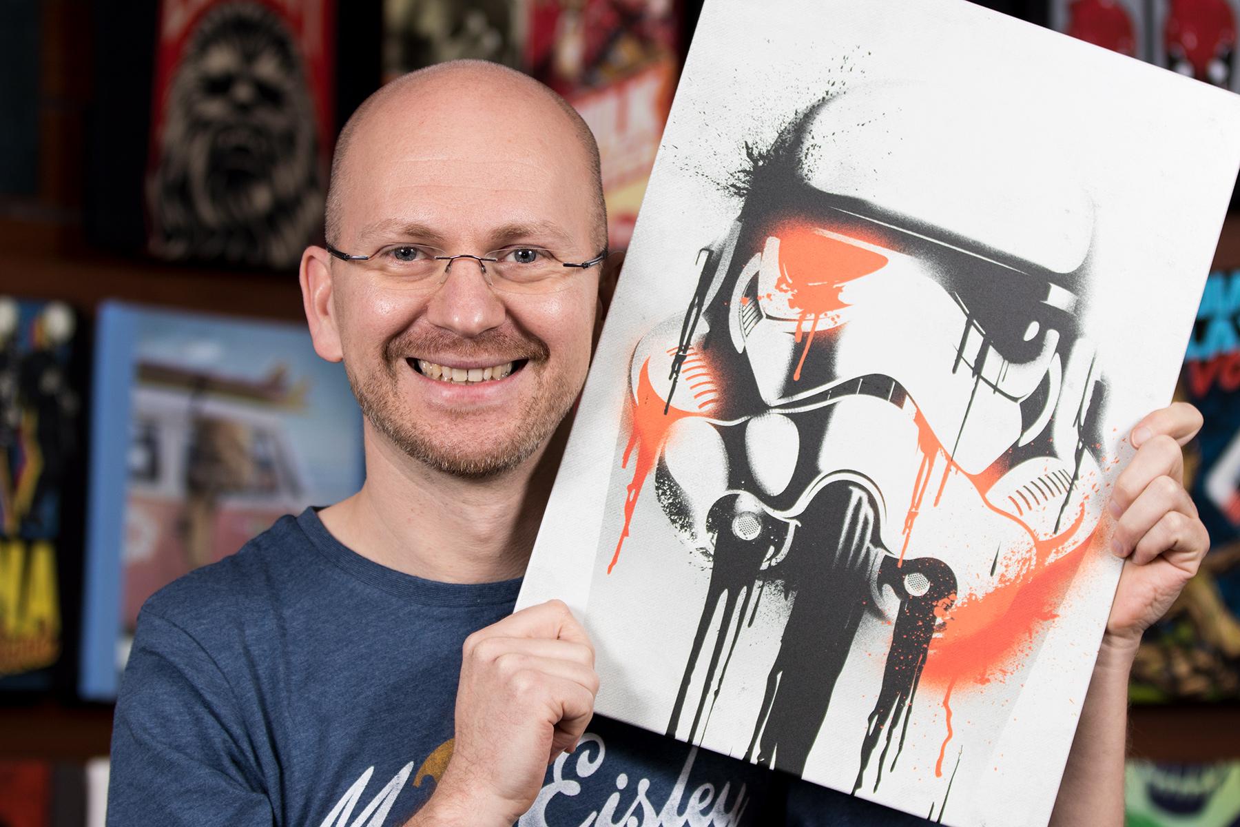 Dirk Geschenketipp: Star Wars - Stormtrooper Banksy Metall Poster
